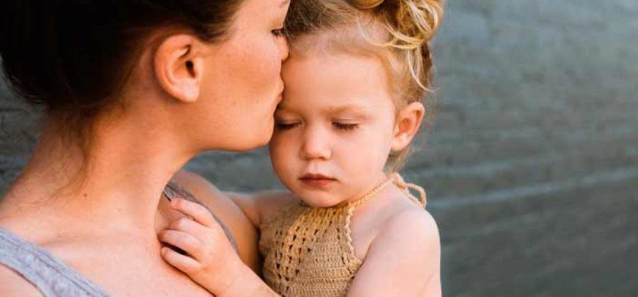 Как взять ребенка из детского дома: правила, процедура, выплаты
