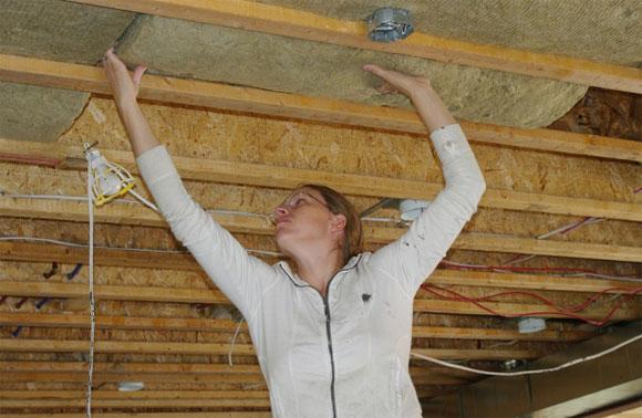 Монтаж потолков в доме